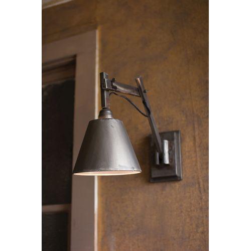 Studio Wall Lamp