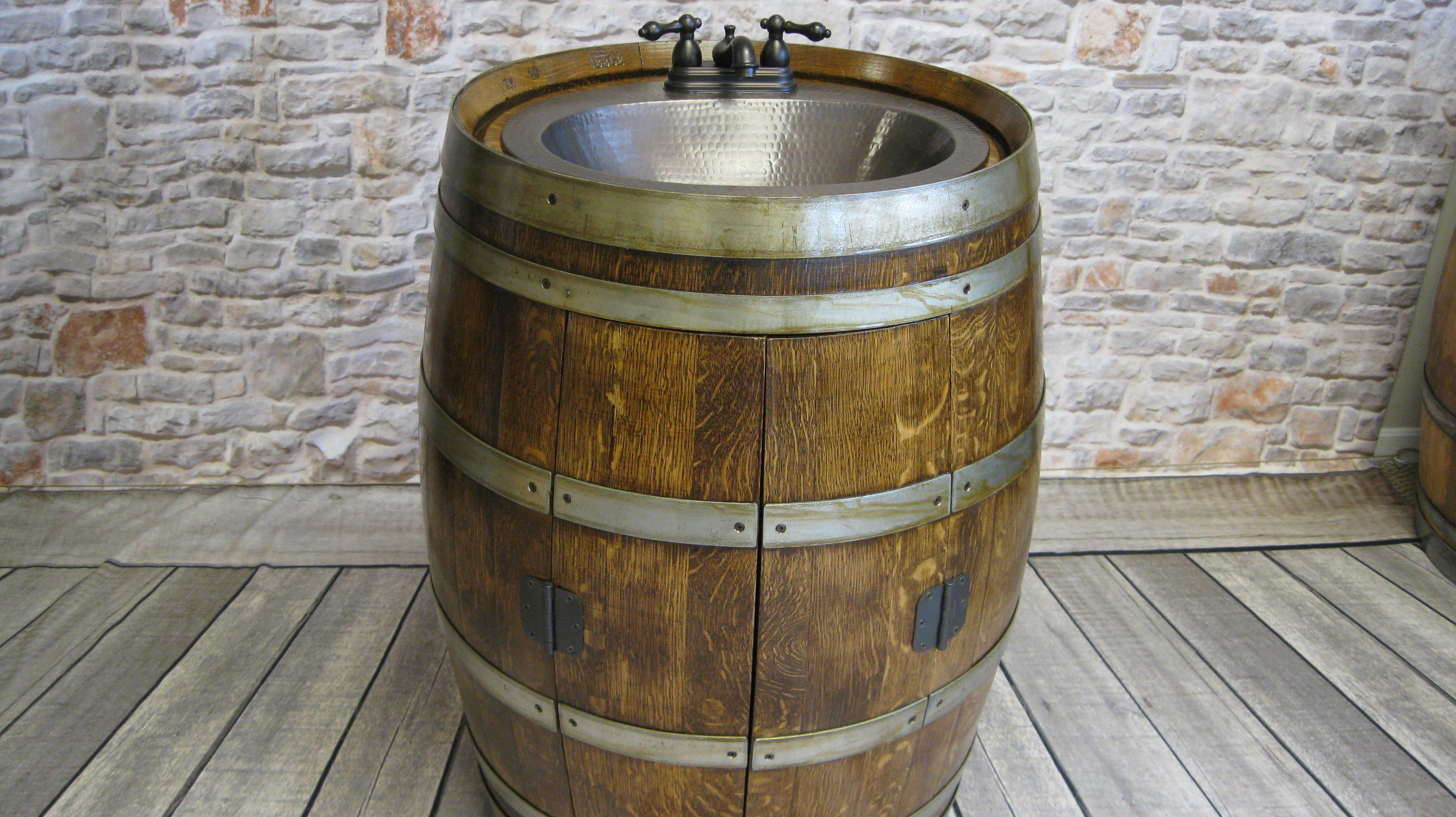 Barrel Sink with Cabinet