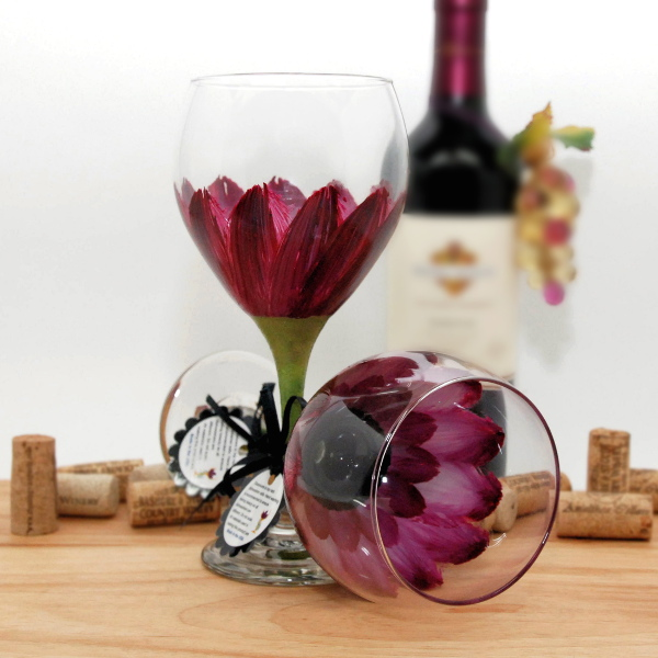 Handpainted Berry Wine Daisy Wine Glass