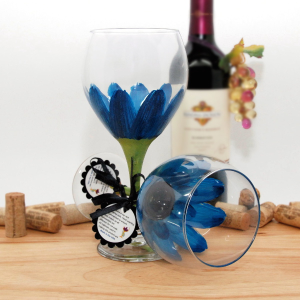 Handpainted Cerulean Blue Daisy Wine Glass