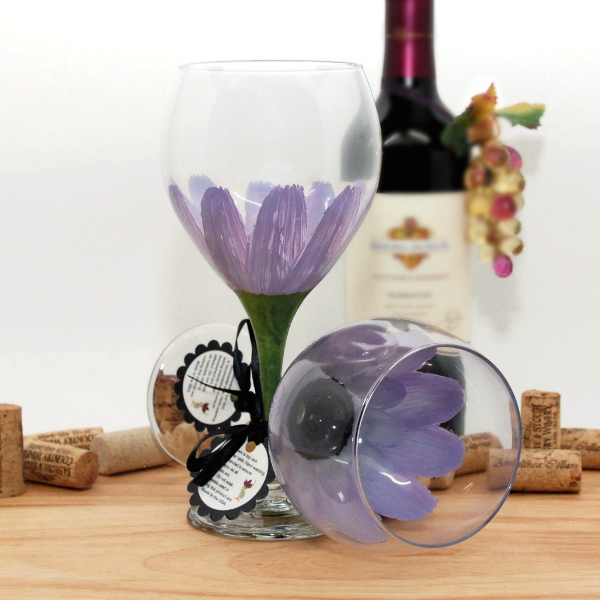 Handpainted Purple Lilac Daisy Wine Glass