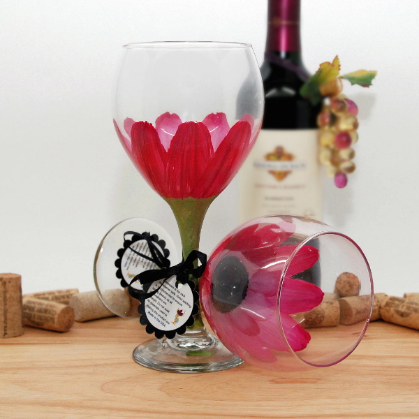 Handpainted Magenta Pink Daisy Wine Glass