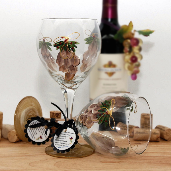 Handpainted Holiday Pine Cones Wine Glass