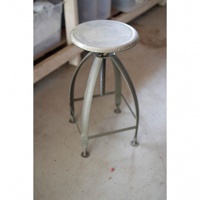 Rustic Metal Stool with Adjustable Height