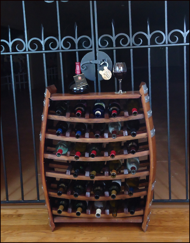 30 Bottle Barrel Standing Wine Rack